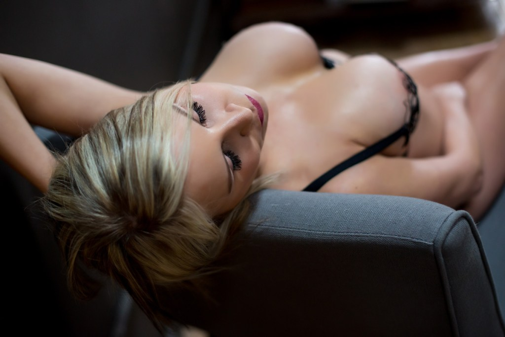 portland-oregon-boudoir-sexy-photos-001