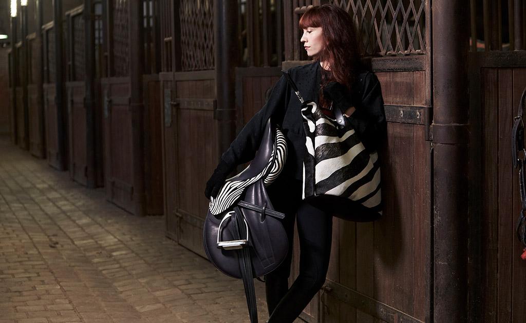 www.pegasebuzz.com | Guibert Paris x Ginette NY, zebra 2016.