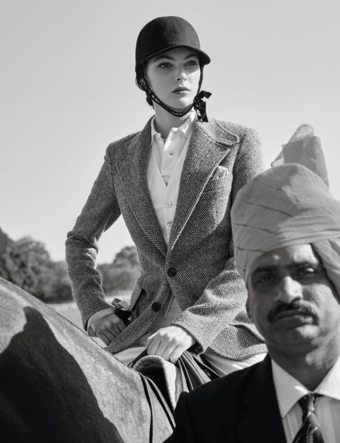 www.pegasebuzz.com | Vittoria Ceretti by Mario Testino for Vogue Paris, May 2017