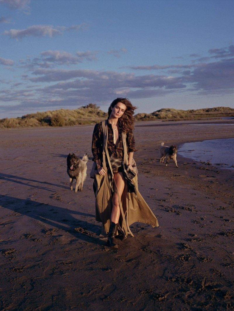 www.pegasebuzz.com | Andreea Diaconu by Dan Martensen for Vogue Paris, août 2017