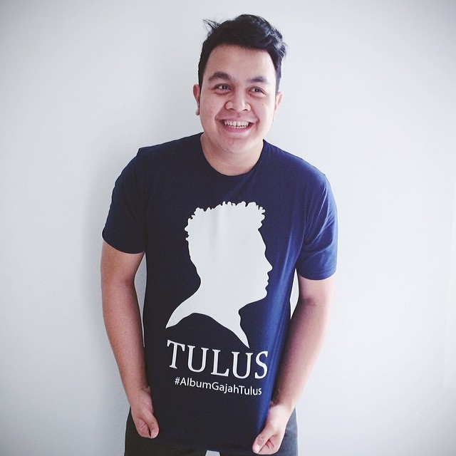 inspired by his love life experience the writer of song has expressed a really deep meaning the singer s name is tulus from indonesia