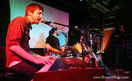 1090 Club keyboardist Mike Galt in performance at the Railyard Nov. 4.