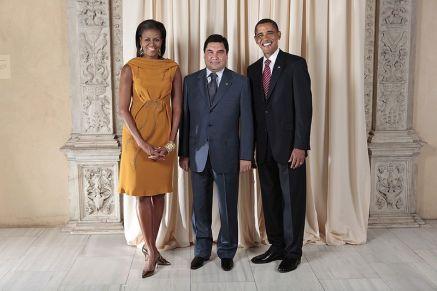 800px-Gurbanguly_Berdimuhammedov_with_Obamas-1