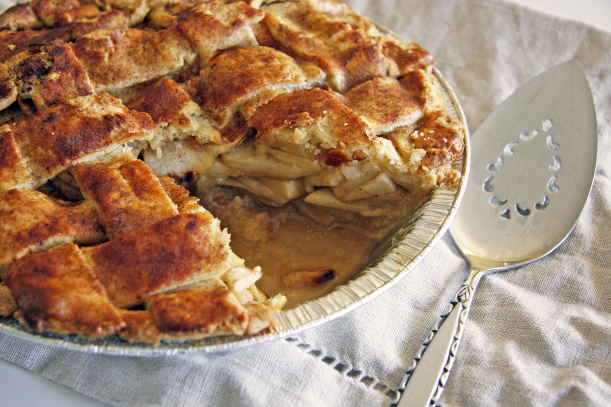 apple-cheddar-pie