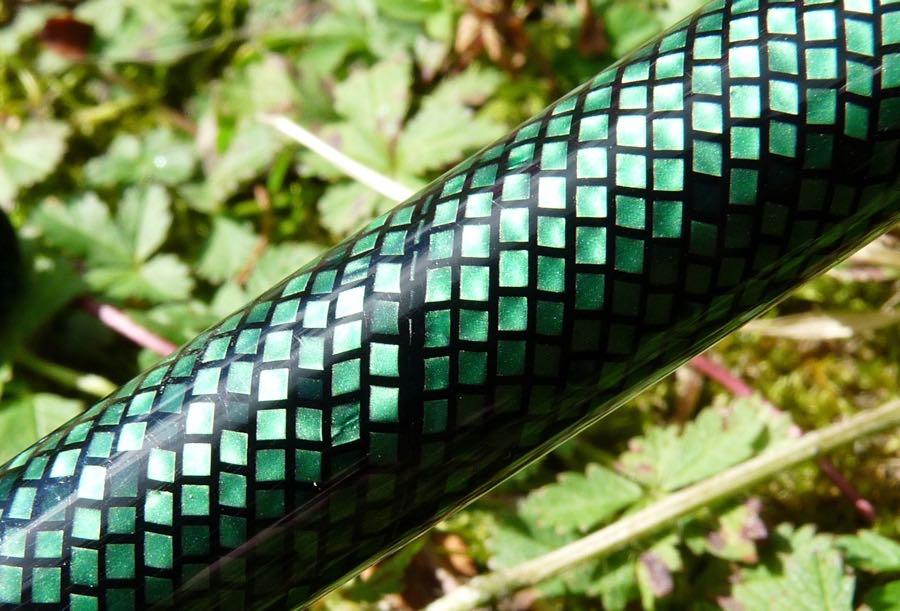 Twiss Green Lizard acrylic join