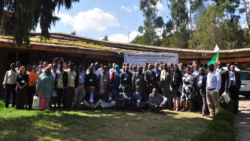Participants of the African Landscape Dialogue gather for a group photo.