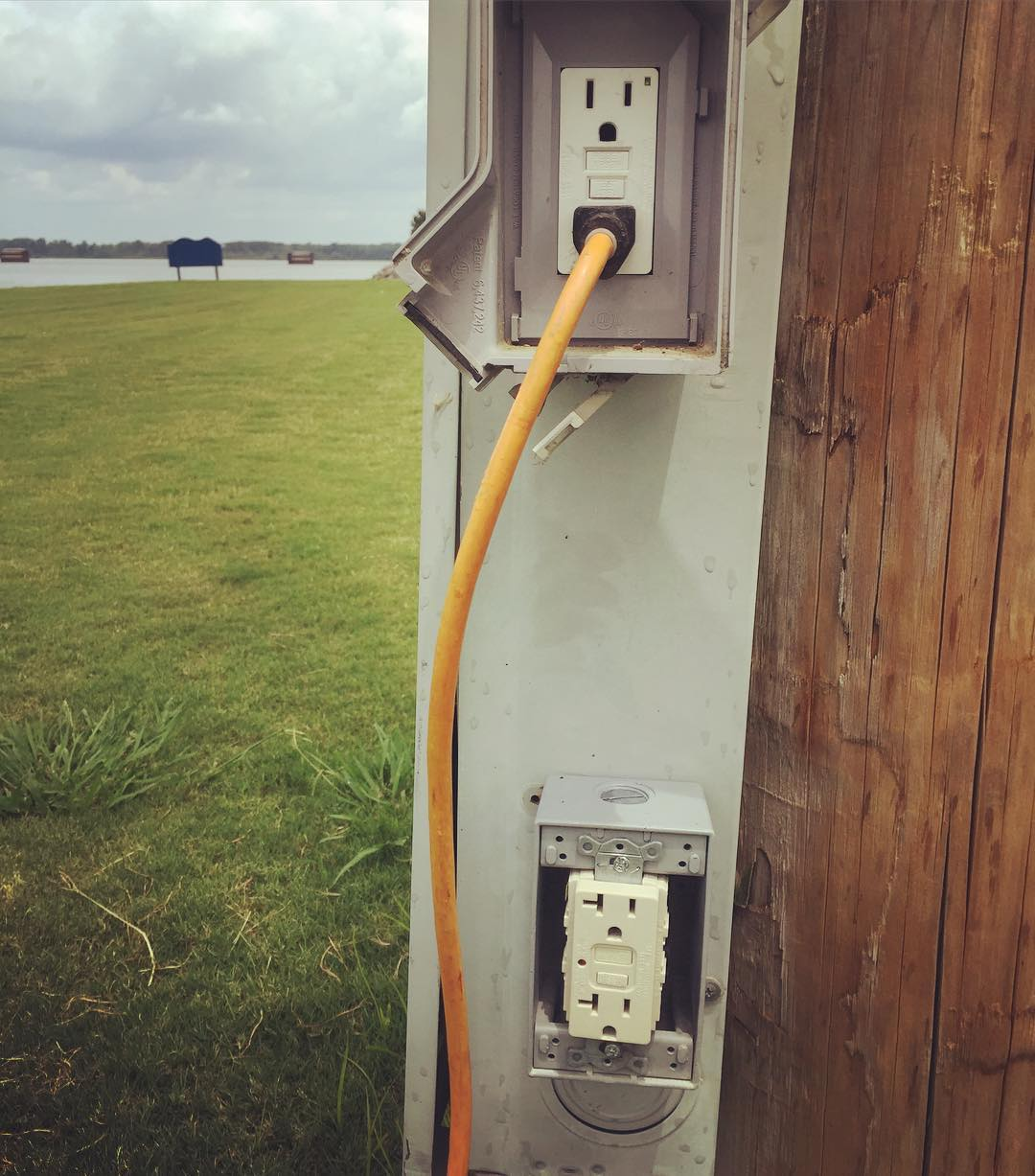 In the far away land of Alabama there are electrical outlets in public places such as parks, buildings and patios. Apparently they are not terrified that homeless people will charge their cell phones. People here don't believe us when we say that this doesn't happen where we come from