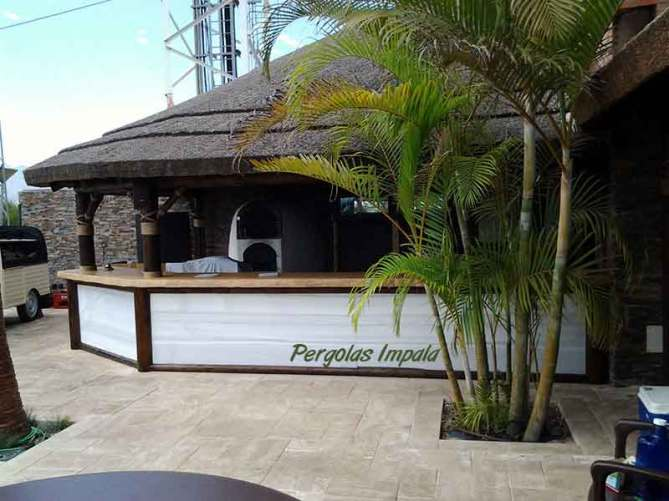 Pergolas Impala Thatched bar