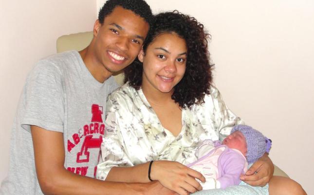 """""""O pessoal não gosta de parto normal porque dói, mas no fim, aconteceu tudo muito bem e rápido"""", conta Gregory, que acompanhou e auxiliou todas as etapas da gravidez e do nascimento."""
