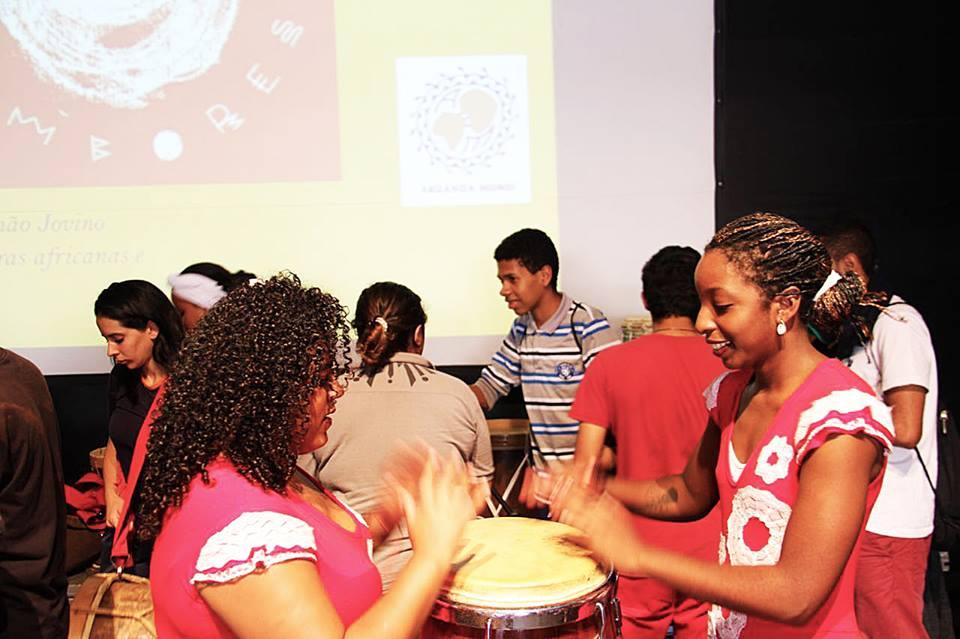Na Noite dos Tambores, M'Boi Mirim pulsa cultura africana
