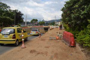 Una de las vías peatonales que se encuentra en construcción es la del conjunto residencial Colseguros. /FOTO KEVIN PEDRAZA