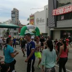 La rumba se toma la carrera 27 los domingos en la Recreovía. /FOTO EKATHERINE GARAVITO