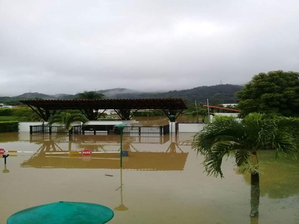 Cuatro conjuntos residenciales afectados por desbordamiento del Río Jamundí