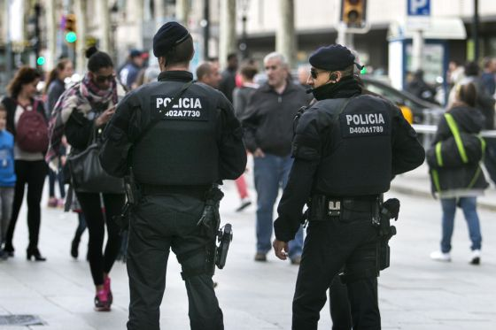 Pistolas eléctricas para los mossos: Amnistía pide salvaguardas