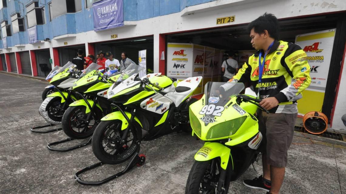 YSR 2016 Seri Terakhir, M. Dwi Satria Pecahkan Rekor Catatan Waktu Terbaik di Race Kelas 250 Pro!