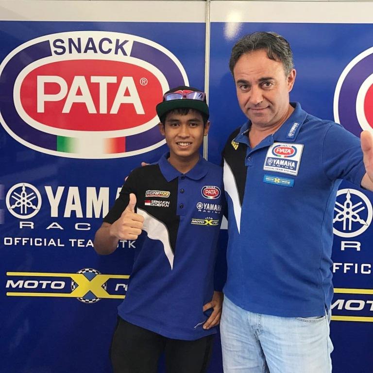 Galang Hendra (Kiri) & Mr. Sandro, pemilik Tim Motoxracing