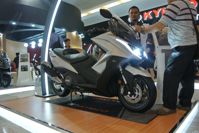 First Impression Kymco AK 550: Panel Dashboard Canggih, Bisa Connect Smarphone!
