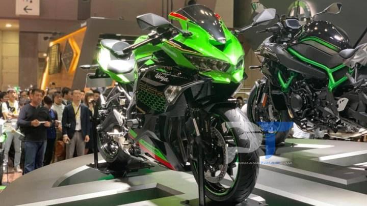 Mega Gallery Kawasaki Ninja ZX-25R: 100% Moge Look Banget!