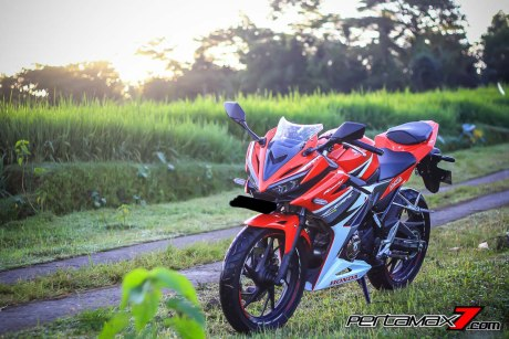All New Honda CBR150R 2016 Warna Merah Racing Red 13 Pertamax7.com