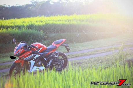 All New Honda CBR150R 2016 Warna Merah Racing Red 4 Pertamax7.com