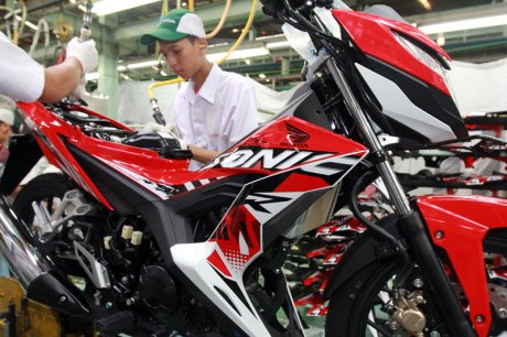 New Honda Sonic 150R  Energetic Red striping 2016 pertamax7.com