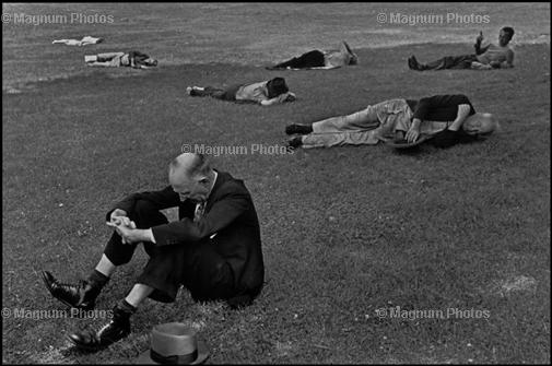 Learn Composition from the Photography of Henri Cartier Bresson Henri Cartier Bresson Diagonal 004