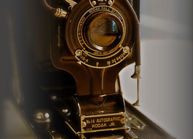 Blast from the Past: Kodaks Autographic Cameras Let You Sign Your Negatives kodakautographic2