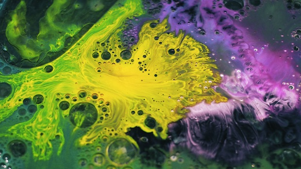 Mesmerizing Macro Photos of Ink Mixing With Oil and Soap pacificlight7