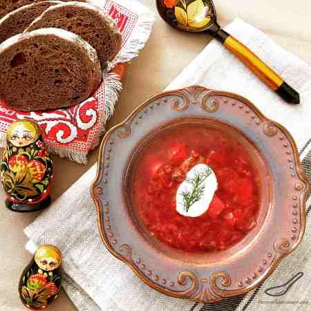 Classic Russian Beet Borscht Recipe (Борщ)