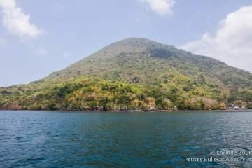 Banda Api, l'île-volcan de l'archipel. Moluques, Indonésie, octobre 2015.