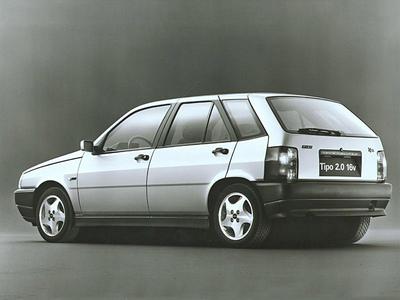 Rear of Fiat Tipo 2.0 16v