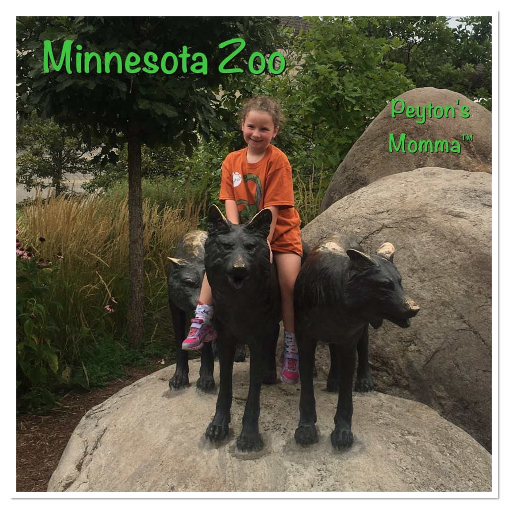Minnesota Zoo Wolf Statues