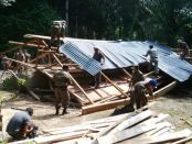 Satpol PP mulai membongkar gereja di Aceh Singkil