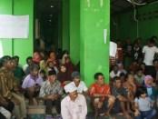 Warga petani teluk jambe di lokasi penampungan Masjid Al Istiqomah Wa Nayatuddin