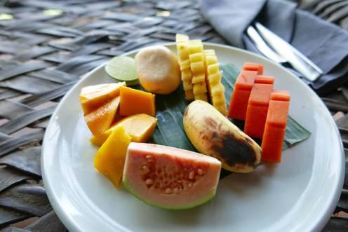 世界一周で訪れたインドネシア・バリ・エコリゾート Bambu Indah(バンブーインダー) 朝食のフルーツサラダ