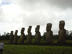 Ahu Akivi - 7 Moai inland