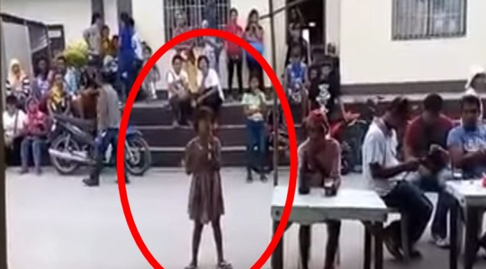Netizen Posted A Video Of A Young Pinay Singing In The Street Went Viral