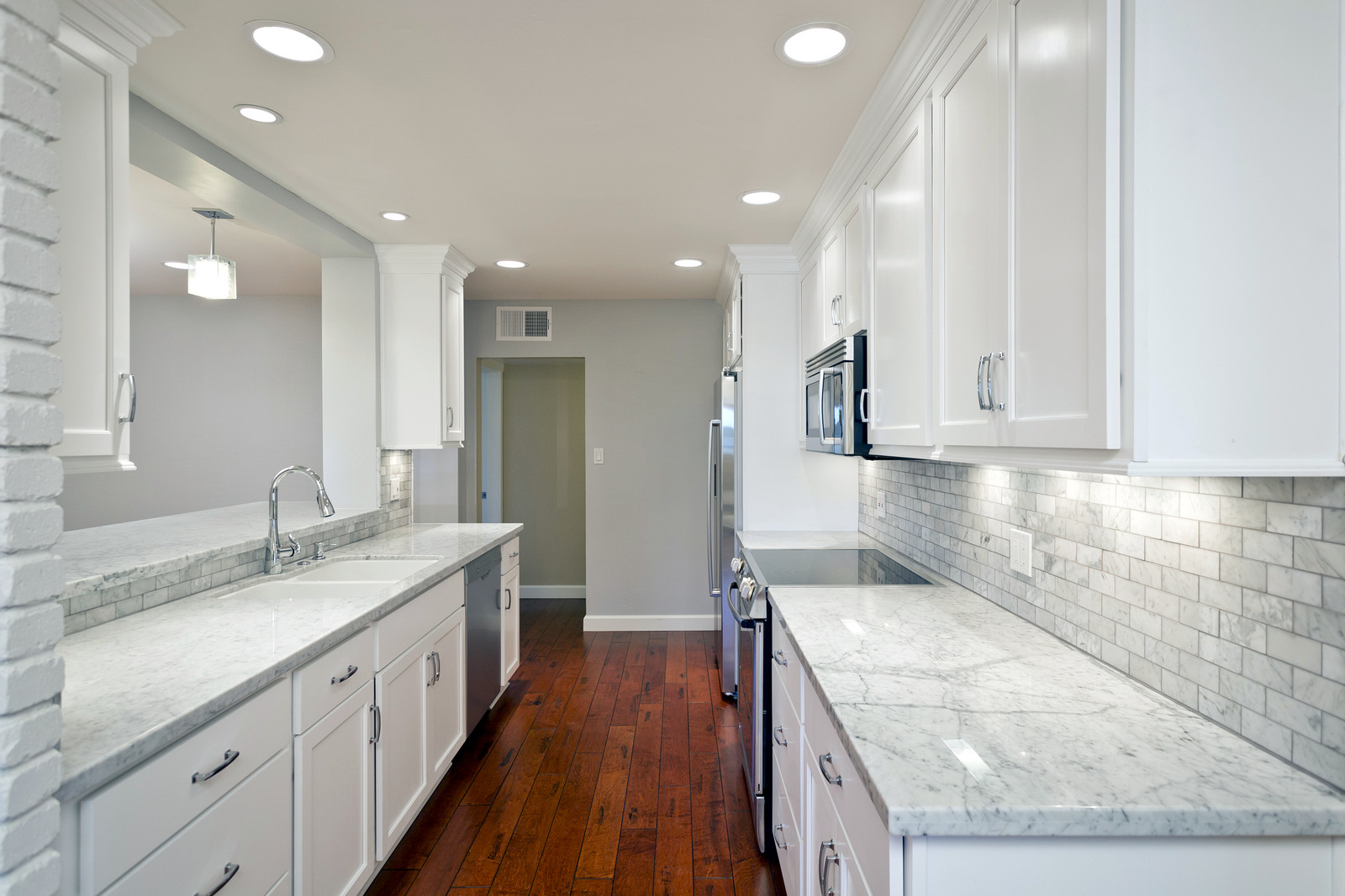 kitchen cabinet colors finishes kitchen remodeling contractor Phoenix AZ Kitchen Cabinets in White