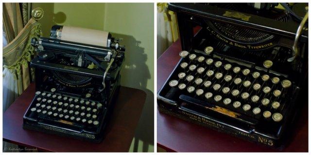 """Друкарська машинка фірми """"L.C.Smith & Bros."""" з польською розкладкою клавіатури."""