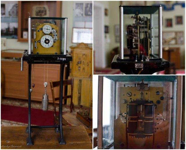 Електромеханічний хронометр кінця XIX століття у музеї історії ЛНУ ім. Івана Франка.