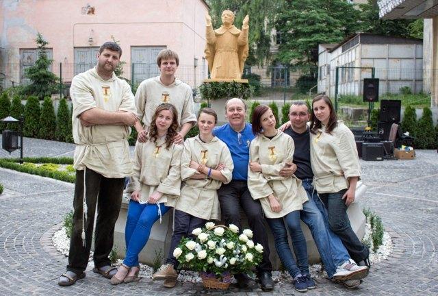 """Гурт """"S.Anto"""" на освяченні статую святого Яна з Дуклі"""