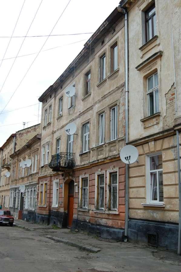 Будинок у якому мешкав С.Грабінський на сучасній вулиці Лобачевського. Фото 2015 року
