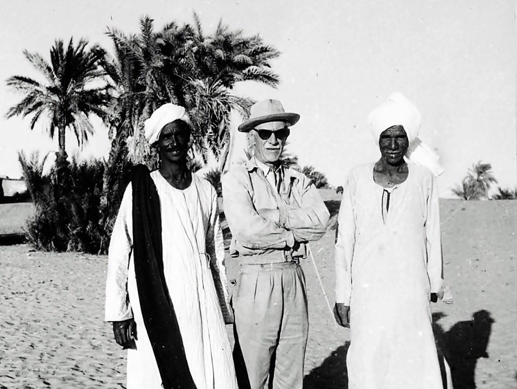 К. Міхаловський у Нубії з кухарем Гасаном і робітником Махмудом. Фарас, 1961 р.