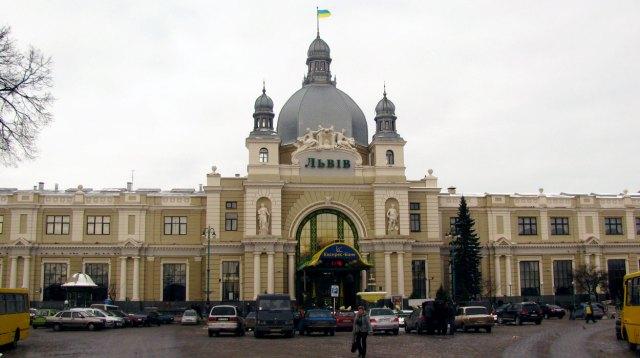 Сучасний вигляд Головного залізничного вокзалу у Львові
