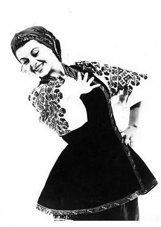 Рома Прийма у народному танці (зі сайту http://www.syzokryli.com)