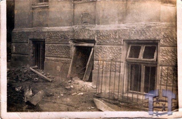 "Пошкоджений Академічний дім у 1922 році. Фото: <a href=""http://territoryterror.org.ua/uk/archive/photo-archive/photo/?pictureid=164"">http://territoryterror.org.ua/</a>"