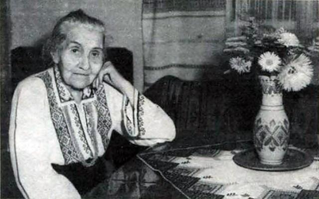 Ольга Дучимінька, 1985 р. (взято з http://dcrb.net/virtualni-vystavky/zhyttya-bolyu-i-muzhnosti/)