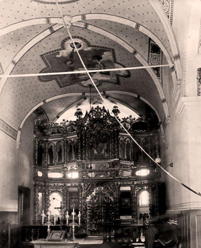 Іконостас монастиря св. Онуфрія у Львові