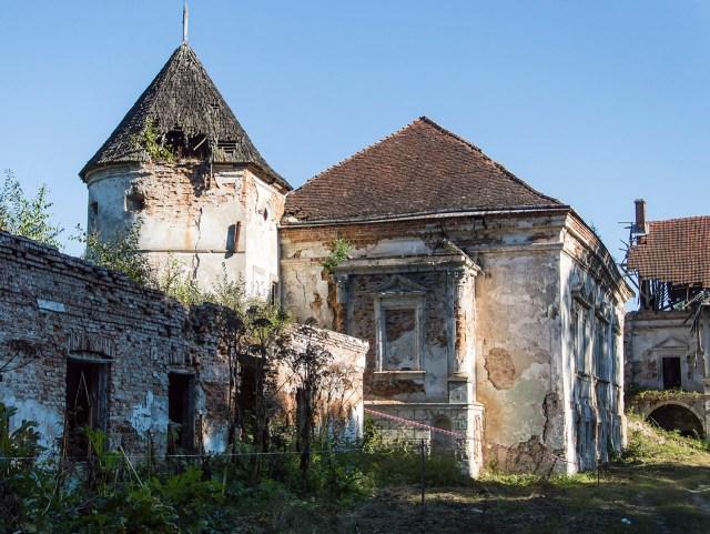 Поморянський замок. Фото: Ксенія Янко