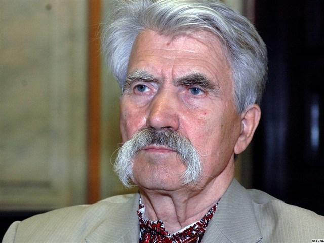 Левко Лук'яненко (http://newvv.net/images/stories/lukianenko.jpg)